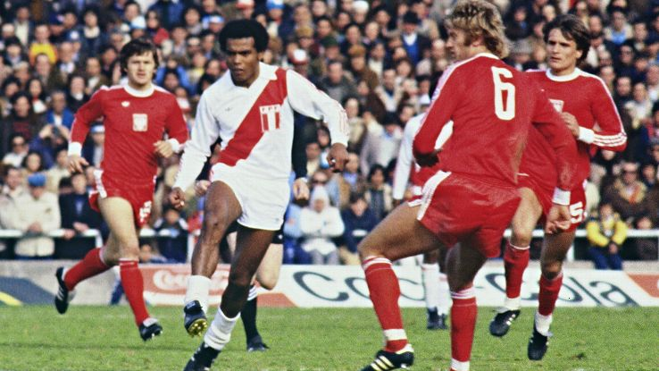 Teofilo Cubillas, middle, captured many an imagination while playing for Peru at the 1978 World Cup.