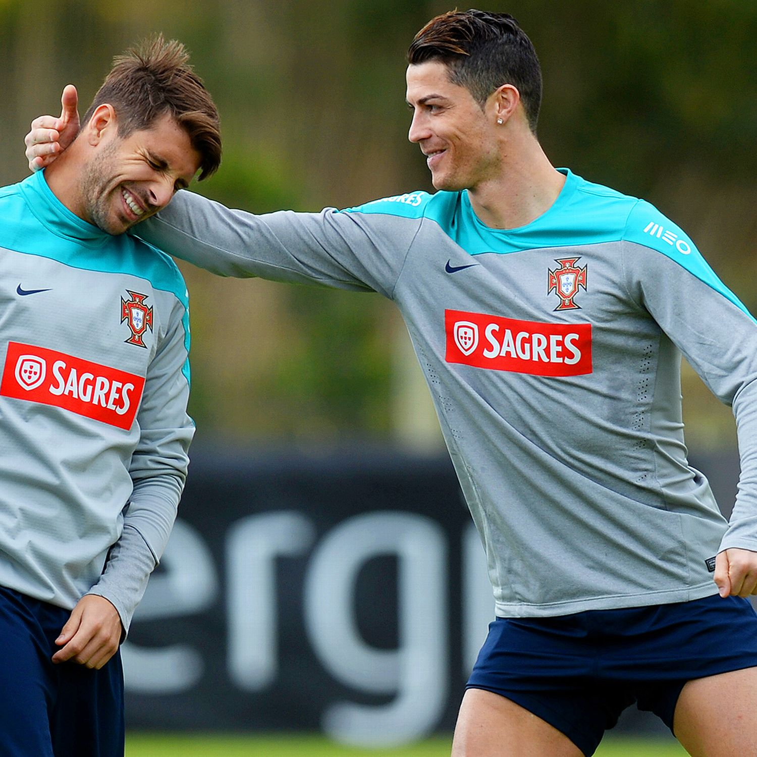 Miguel veloso back for portugal 39 s games against france for Miguel veloso
