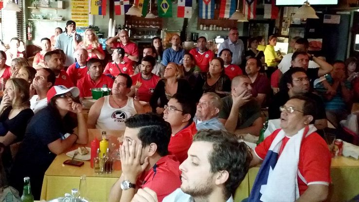 Every four years, Sabores Chilenos restaurant in Miami turns into a sports bar, a place where Chilean fans can watch their national team's World Cup matches.