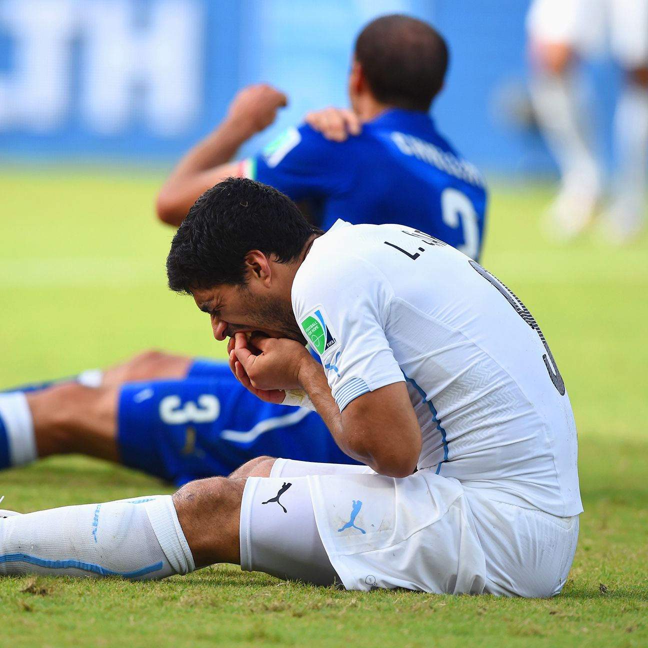 Luis Suarez biting controversy takes center stage at World Cup