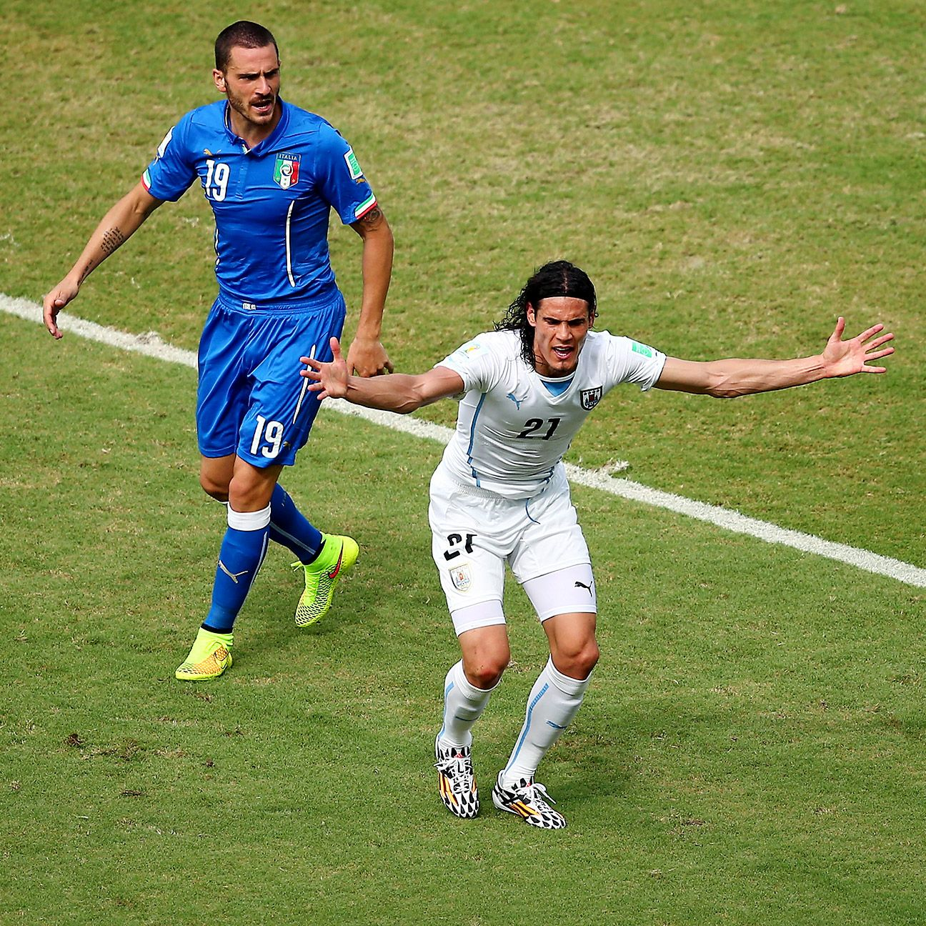 It's imperative that Edinson Cavani step up in Luis Suarez's absence.