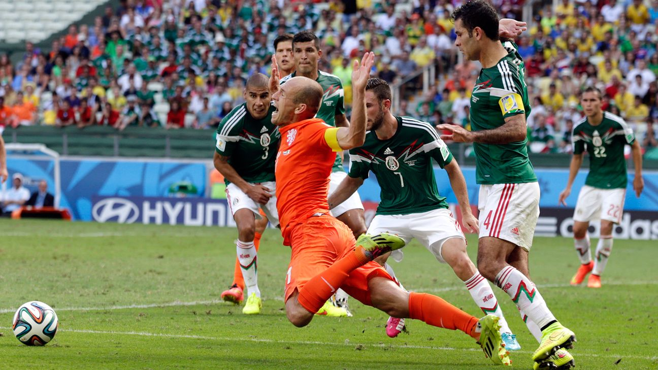 Foul or dive? Either way, Arjen Robben earned a penalty kick that led to the Netherlands' win.
