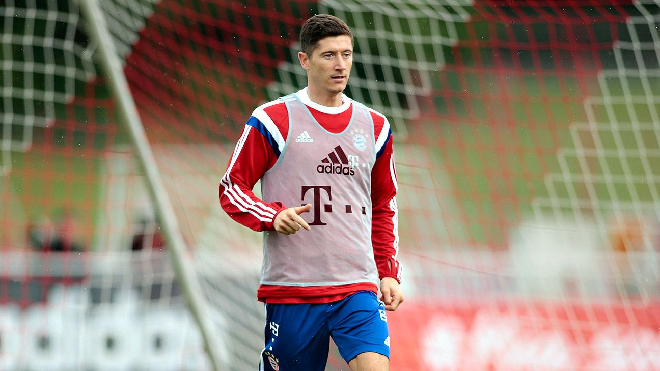 Striker Robert Lewandowski trained with Bayern Munich for the first time on Wednesday.