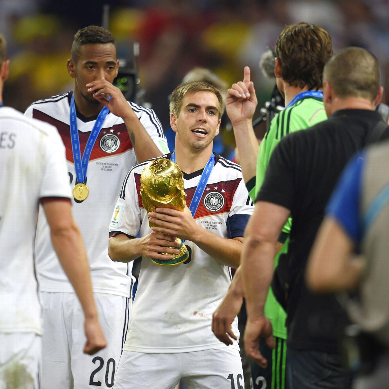 Liverpool 4 0 Borussia Dortmund Match Report Philippe: Germany Win World Cup Suarez Bite Gerrard Slip FIFA Report