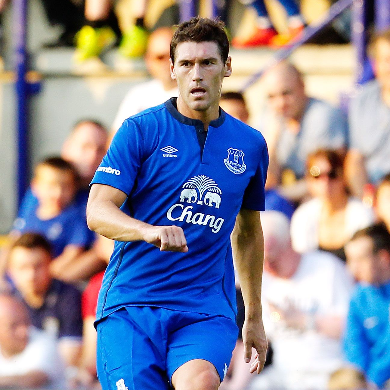 Signing Barry to a permanent deal is good for Everton but their squad remains painfully thin.