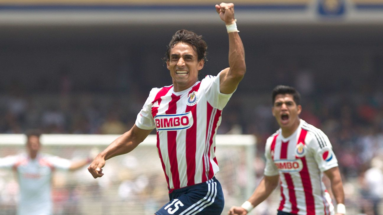 Fernando Arce's goal earned Chivas Guadalajara their first win of the Liga MX Apertura.