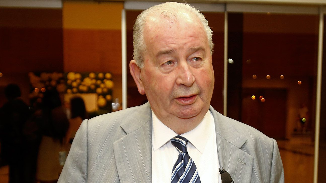 Grondona's death at the age of 82 leaves Argentine football in a precarious position.