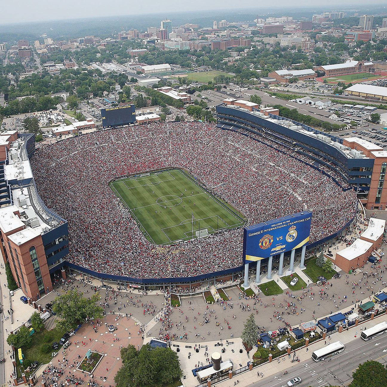 A crowd of 109,318 watched Real Madrid vs. Manchester United in Michigan in 2014, and the La Liga giants could return to play league games.
