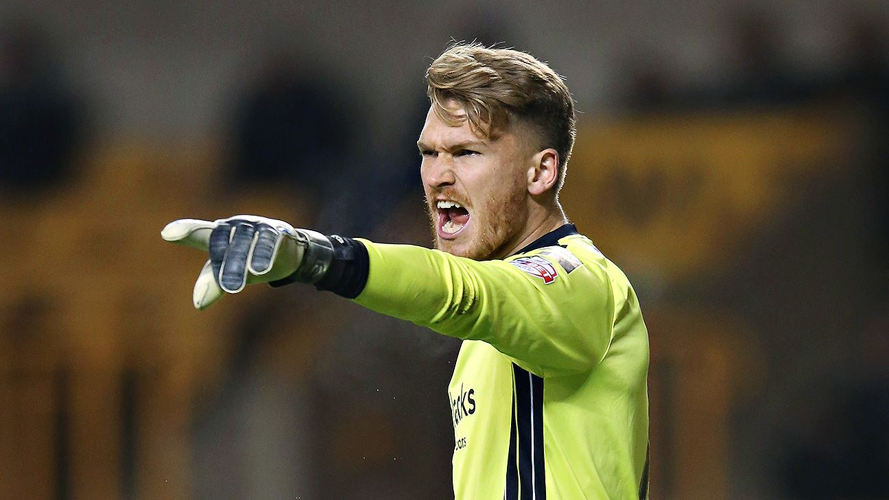 Hibernian goalkeeper Mark Oxley did the job for his new club in Saturday's opening win in the Scottish Championship.