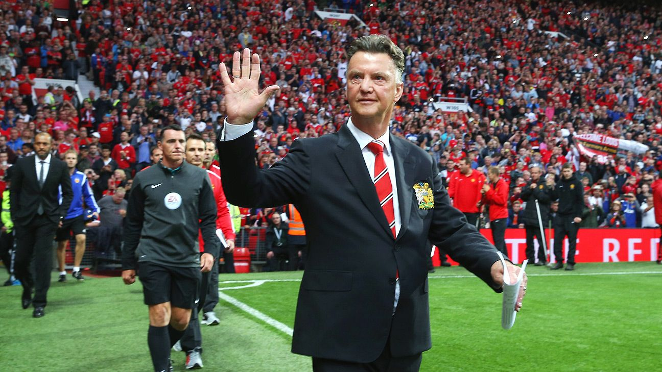 In his Old Trafford debut, Louis van Gaal's Manchester United edged out Valencia 2-1.
