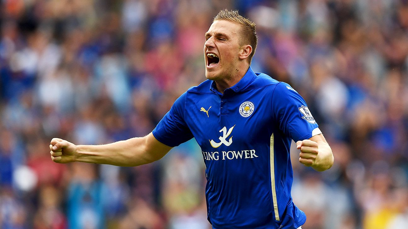 Chris Wood's late goal earned Leicester City a confidence-boosting point against Everton.