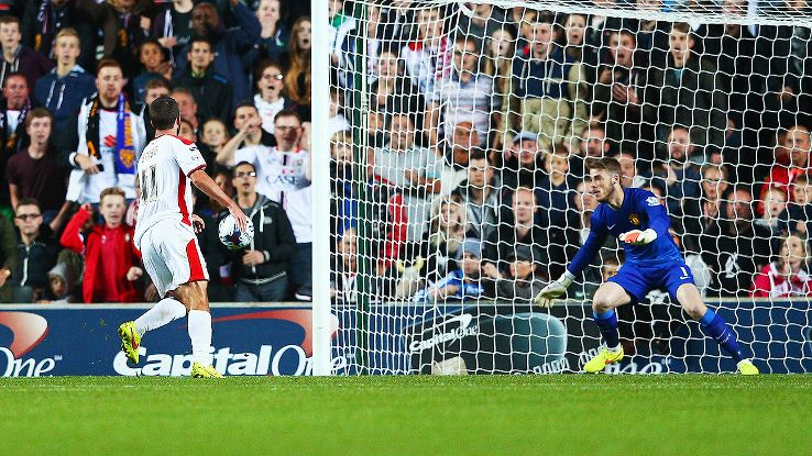 David De Gea endured a long night in goal for Manchester United in their Capital One Cup defeat to MK Dons.