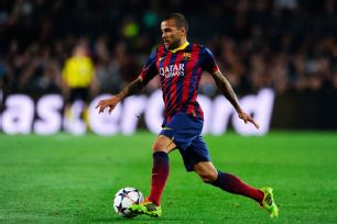 Dani Alves' return to the Barcelona starting XI resulted in a six-goal bonanza against Granada.