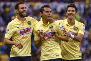 It was another fun-filled and victorious outing for Paul Aguilar, center and his Club America teammates in Wednesday's 2-0 triumph over Veracruz.