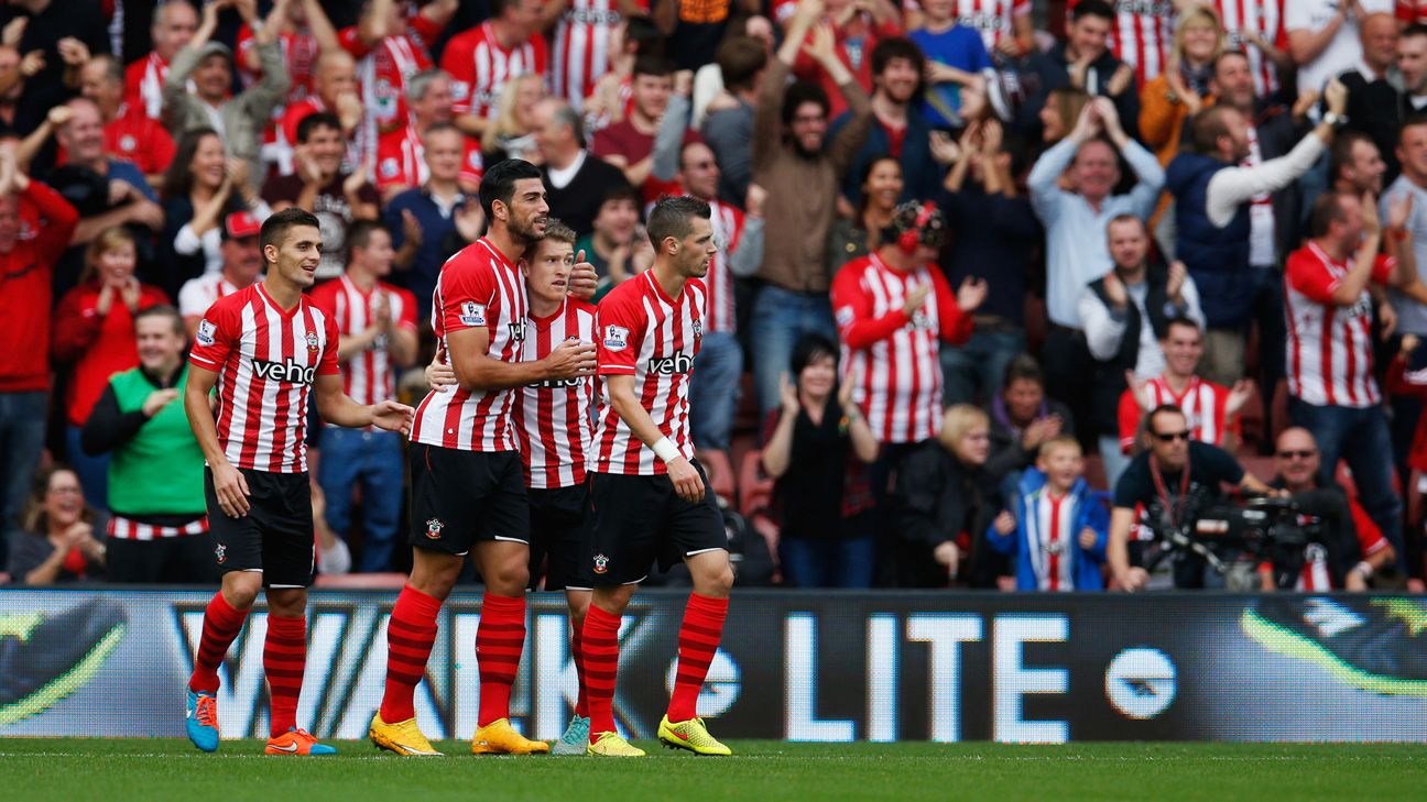 Southampton's Graziano Pelle, second to the left, continued his scorching form with a brace against Sunderland.