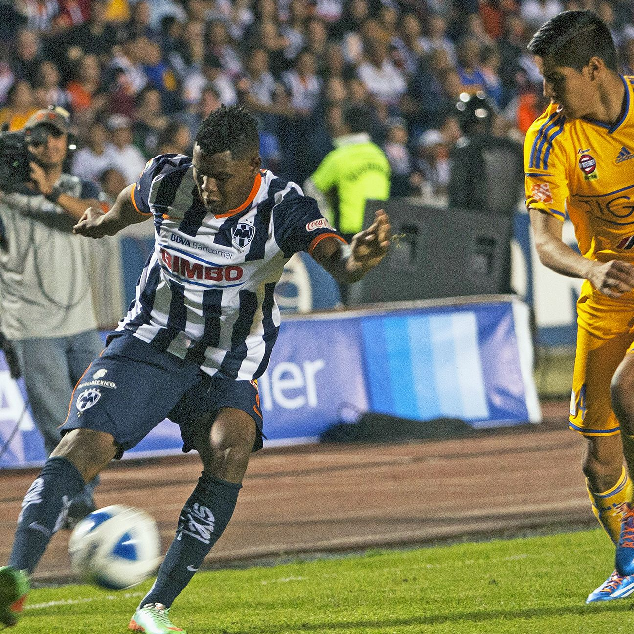 Bragging rights in the city of Monterrey are at stake this weekend with Monterrey and Tigres going at it in the