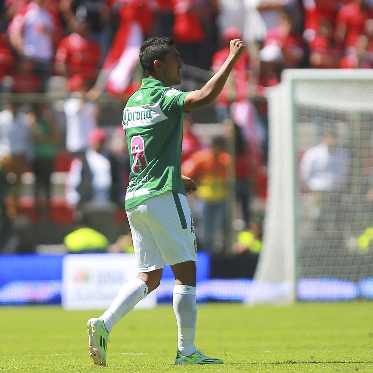 Elias Hernandez and Leon are now just one point out of a liguilla spot with three matches to play in Liga MX.