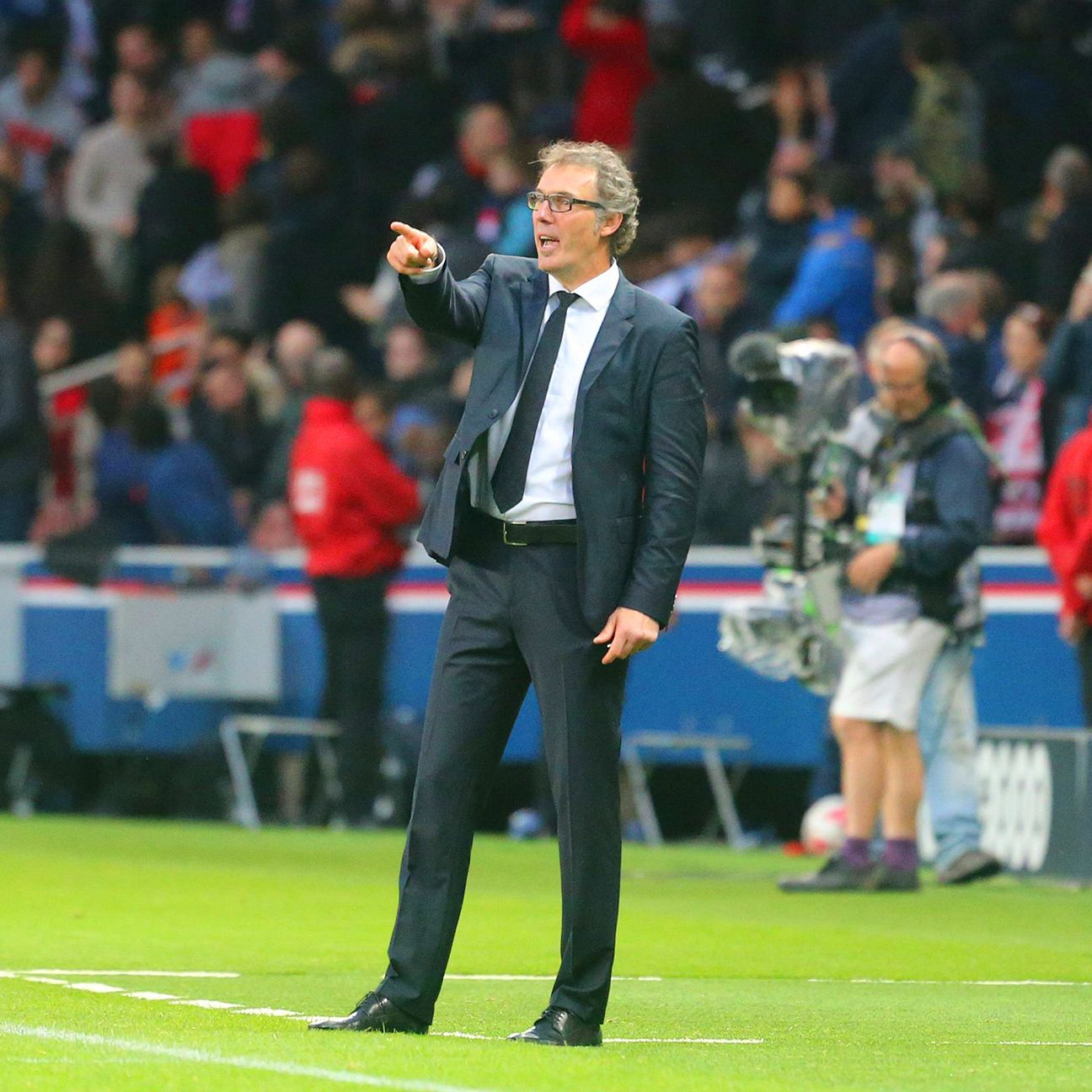 Laurent Blanc's PSG have whittled down Marseille's lead in Ligue 1 to four points.