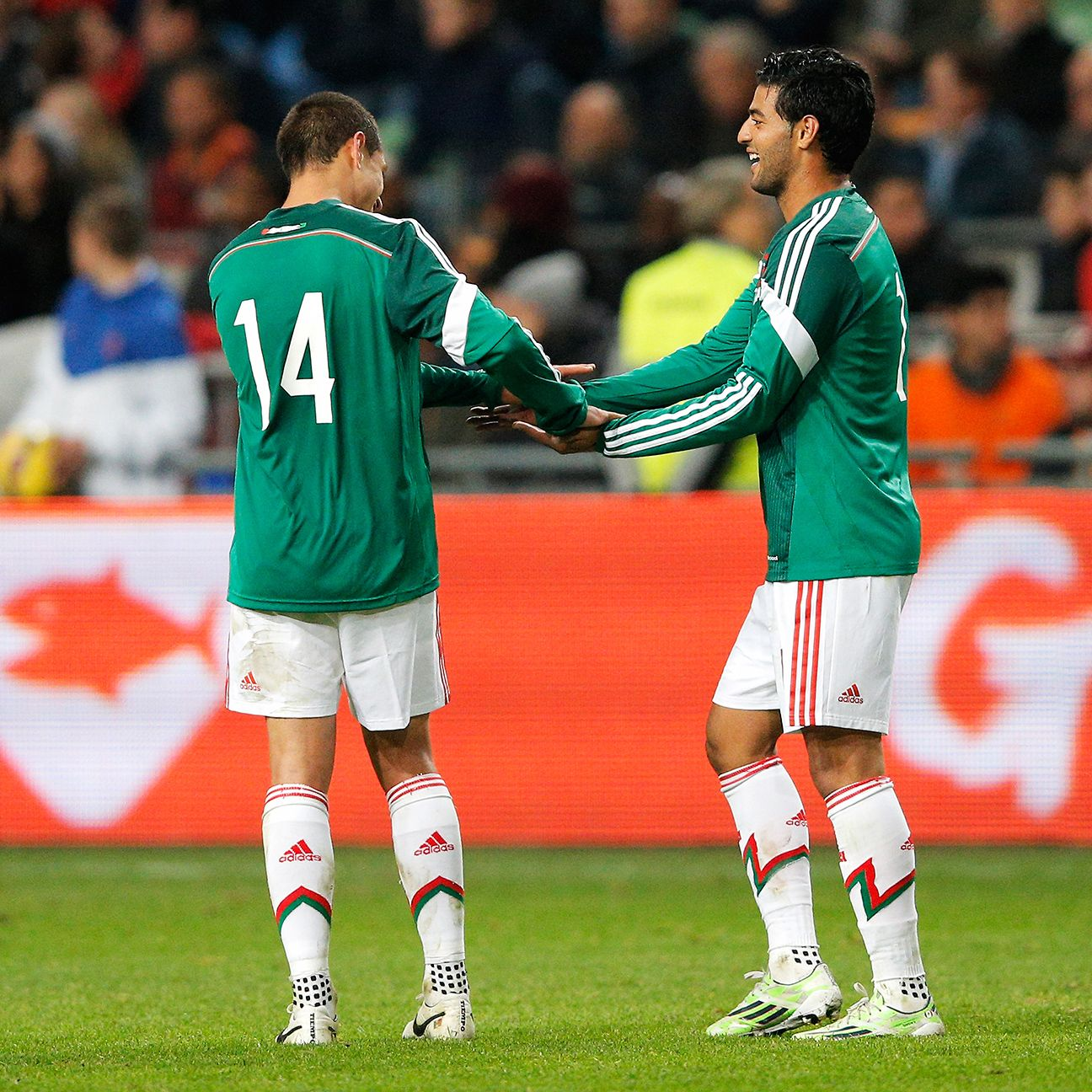 There were clear signs of chemistry between Chicharito Hernandez and Carlos Vela during Mexico's 3-2 win over the Netherlands last fall.