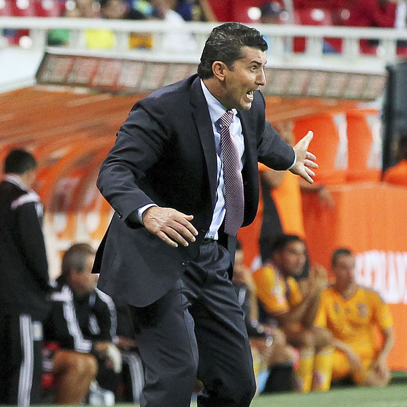 Chepo de la Torre has solidified Chivas' defense, but scoring goals remains a problem for the relegation-threatened Guadalajara side.