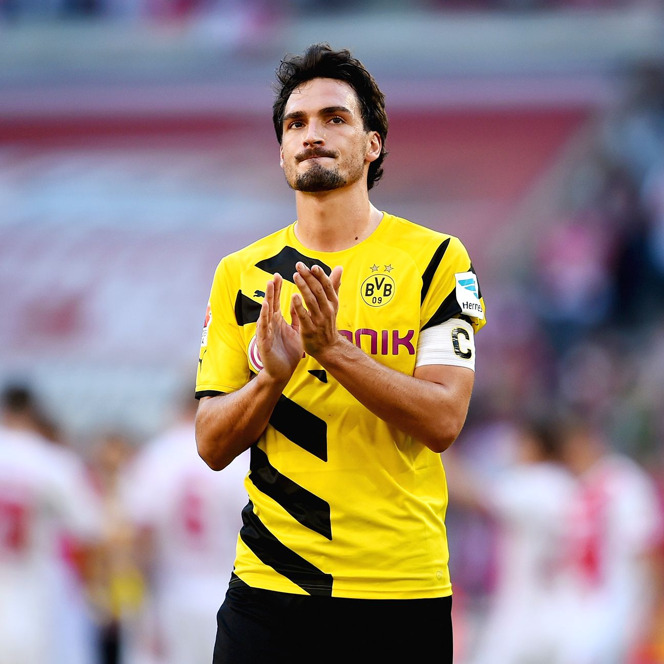 The availability of defender Mats Hummels is still in doubt for Borussia Dortmund.
