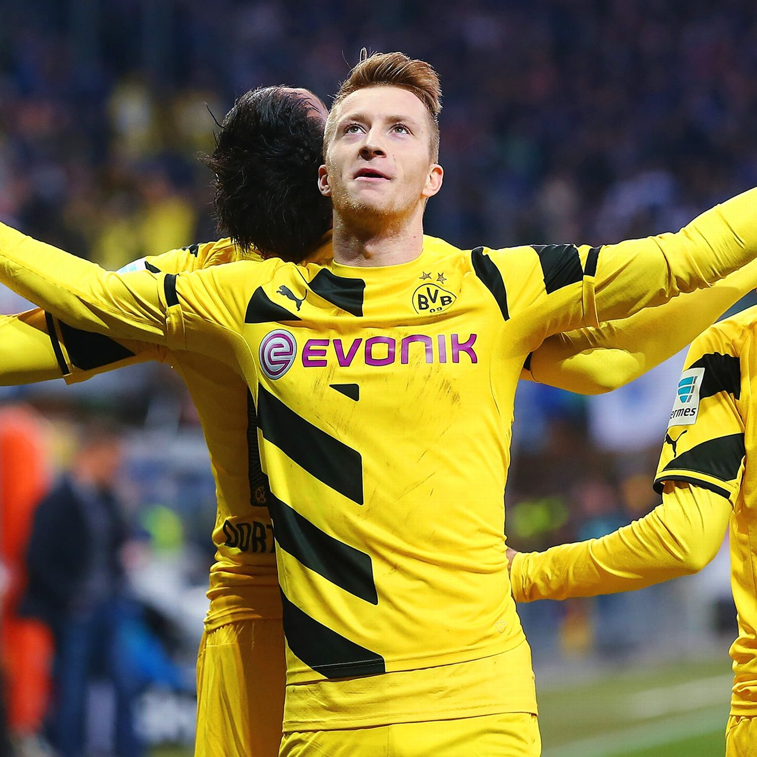 marco reus signs borussia dortmund contract extension
