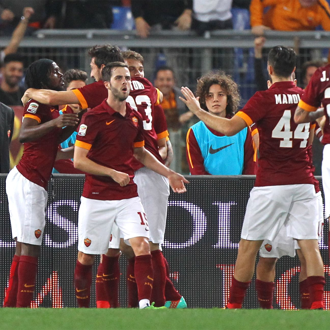Roma got back on the winning path following their midweek Champions League heartbreak in Russia.