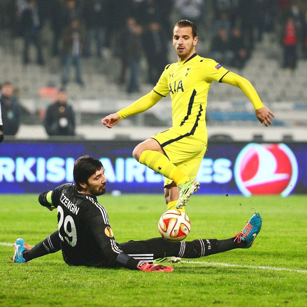 Roberto Soldado's scoring struggles continued Thursday night in Turkey.