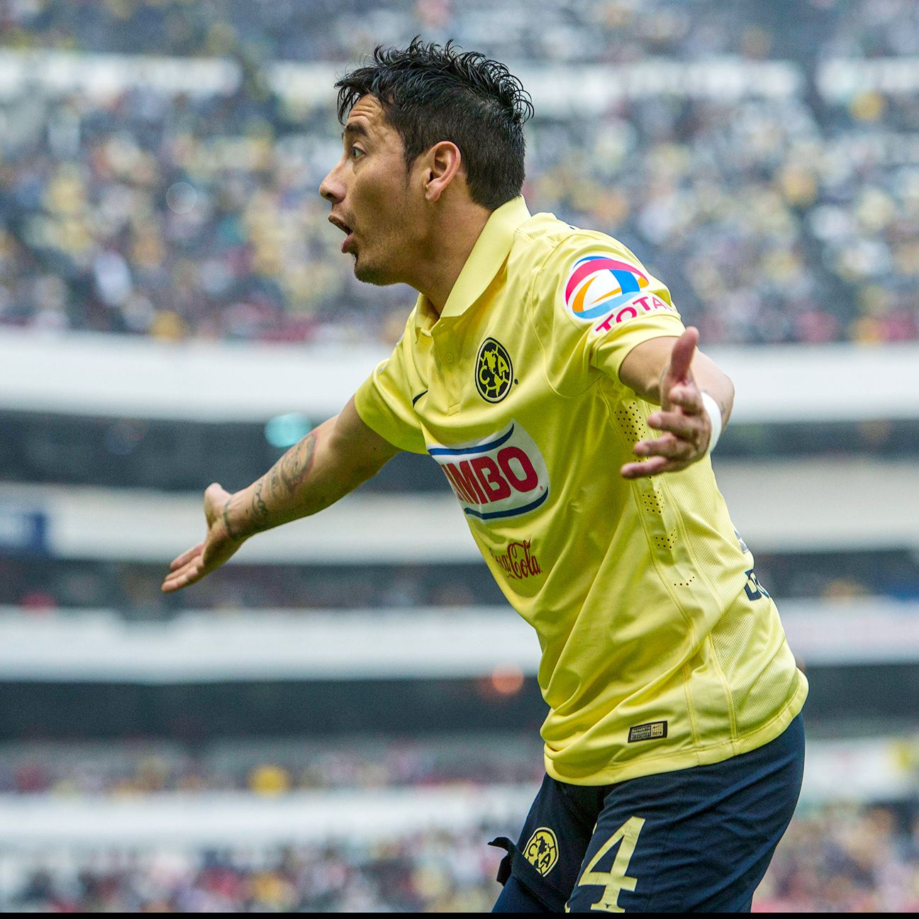 Talk of coaching changes and internal strife have riled Rubens Sambueza and Club America's Liguilla campaign.