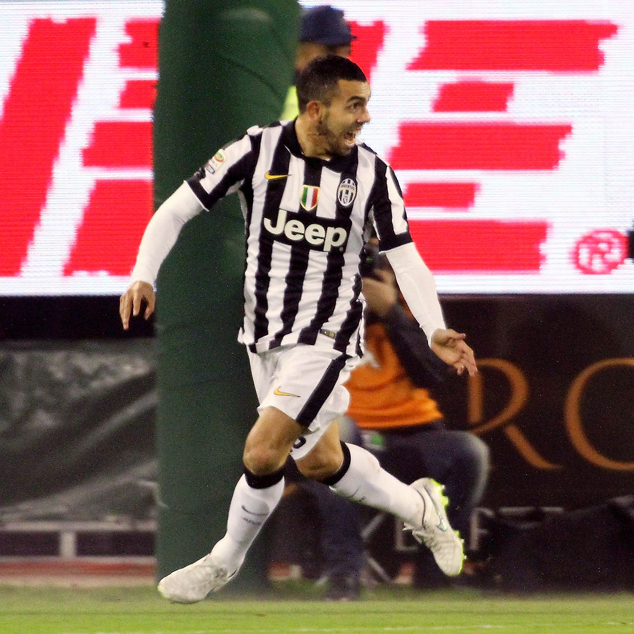 Juve wasted little time in scoring at Cagliari through a third-minute Carlos Tevez goal.