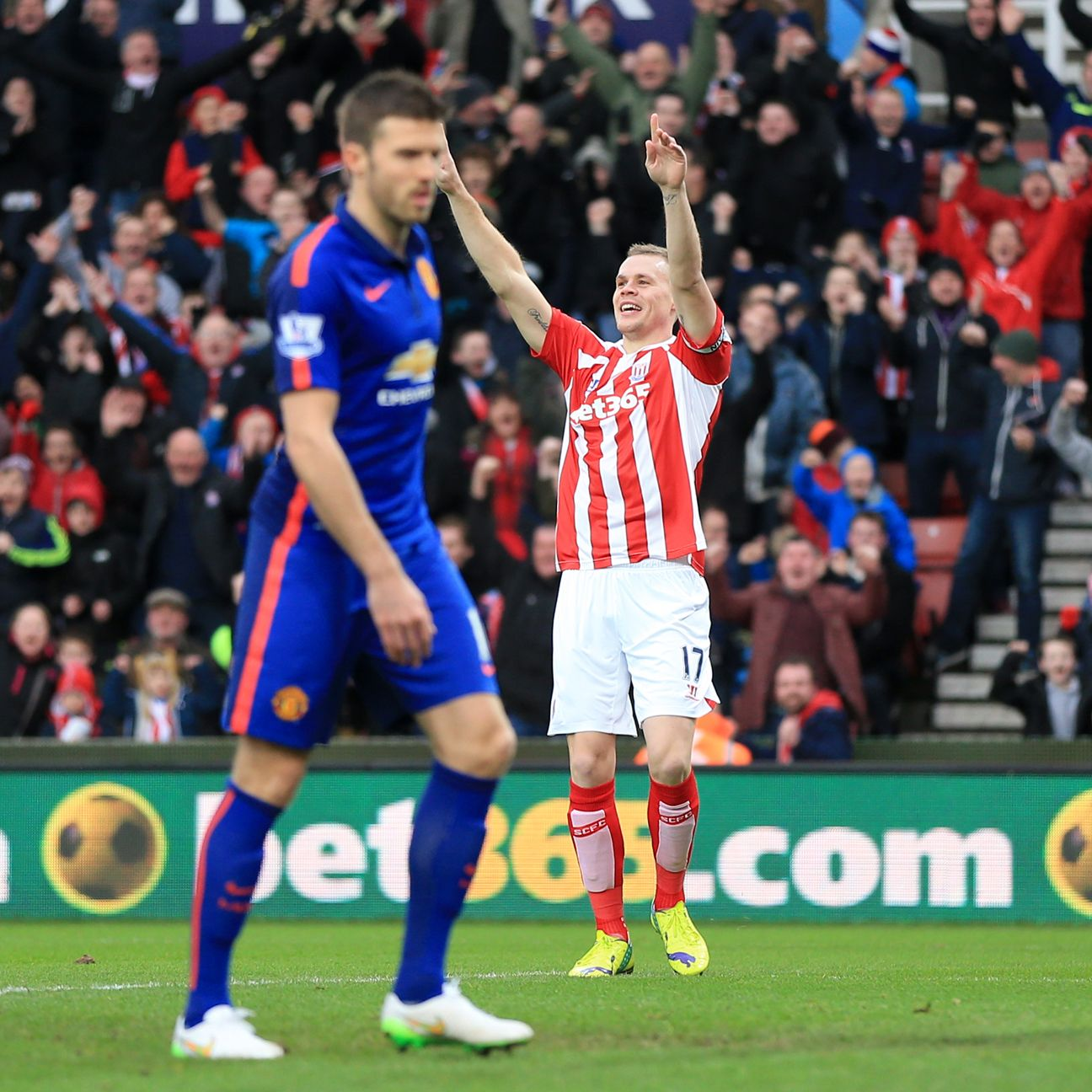 Peter Crouch: Conditions meant Stoke went 'back to the old school'