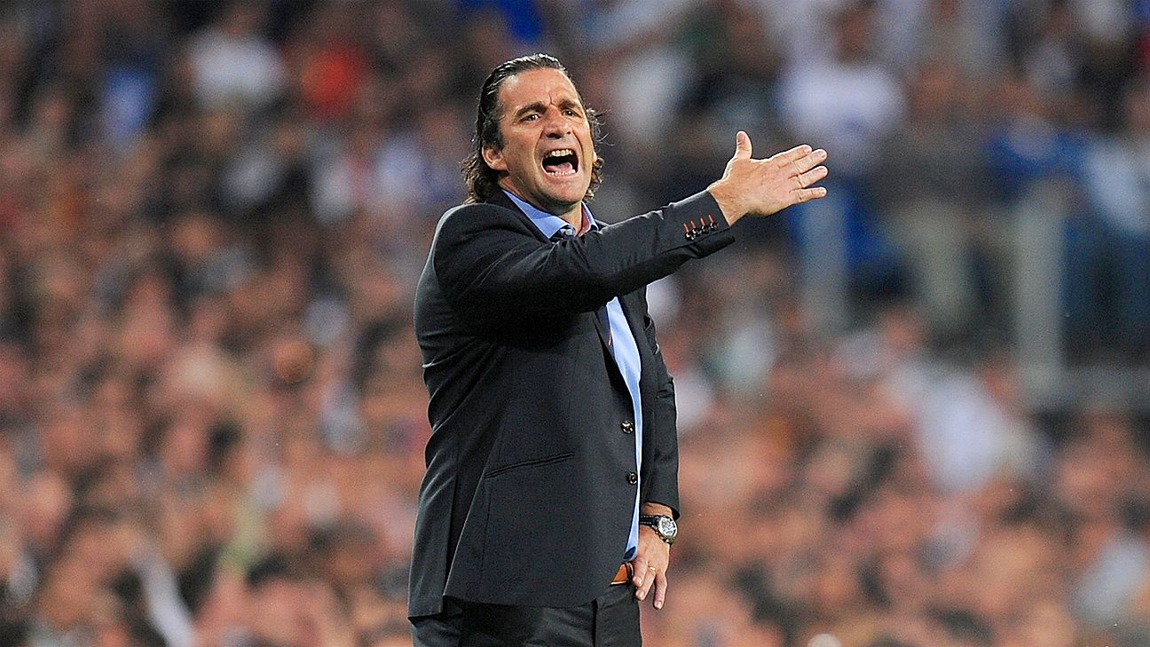 Former Valencia boss Juan Antonio Pizzi is the new man in charge at Leon.