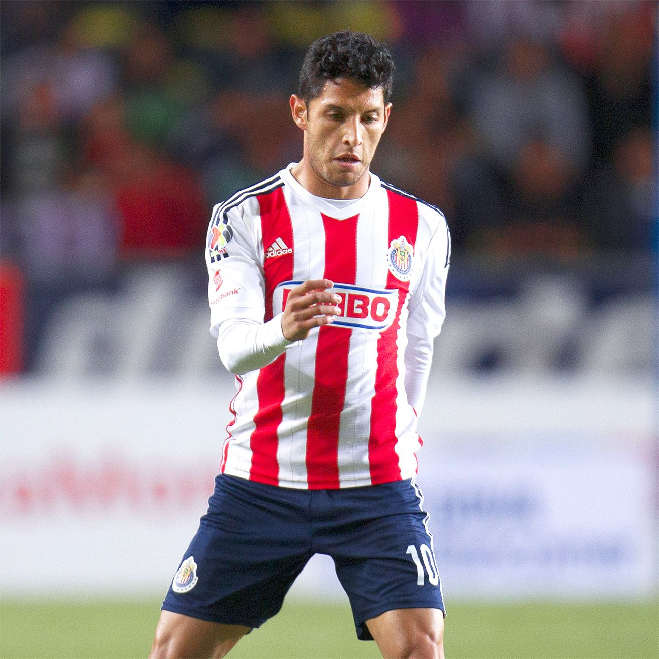 With Marco Fabian out injured, the responsibility to man Chivas' left flank may well fall to Angel Reyna.