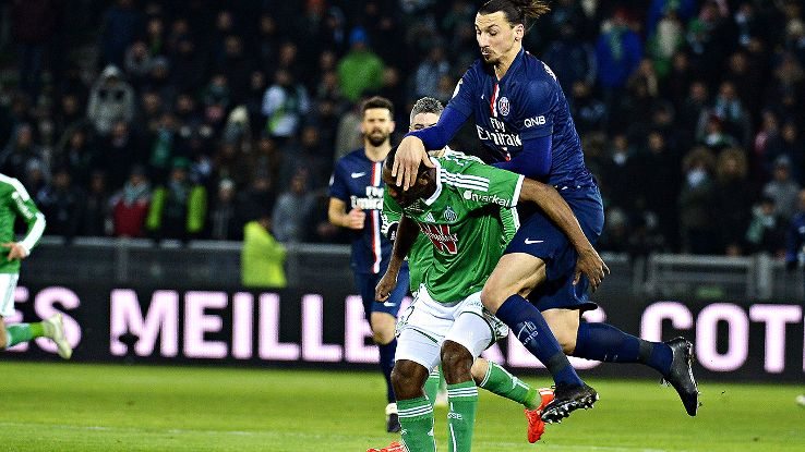 zlatan ibrahimovic spot on for paris saint germain in 1 0 win vs st etienne espn fc. Black Bedroom Furniture Sets. Home Design Ideas