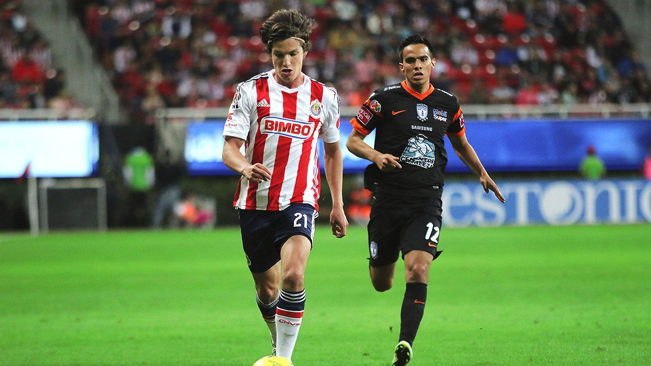Carlos Fierro was the center of controversy after Chivas' narrow 1-0 win over Pachuca.