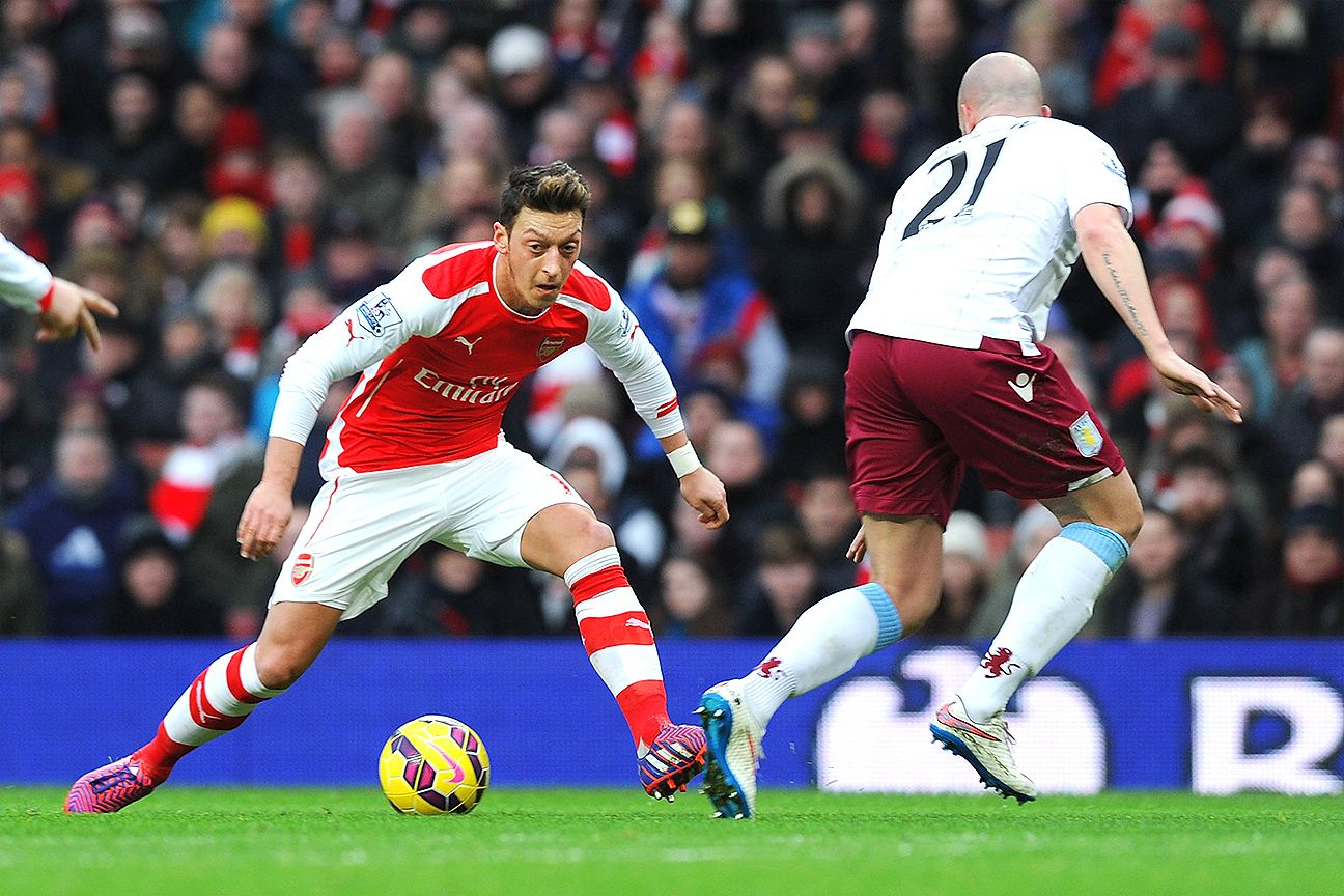 Mesut Ozil scored his first Premier League goal since returning from injury.