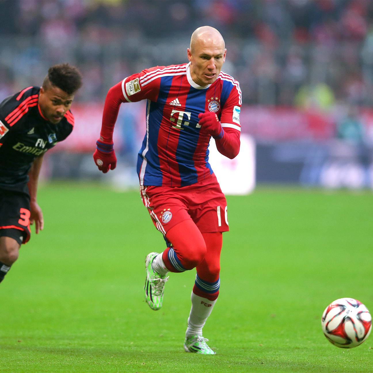 Arjen Robben was one of three Bayern players to tally a brace against Hamburg on Saturday.