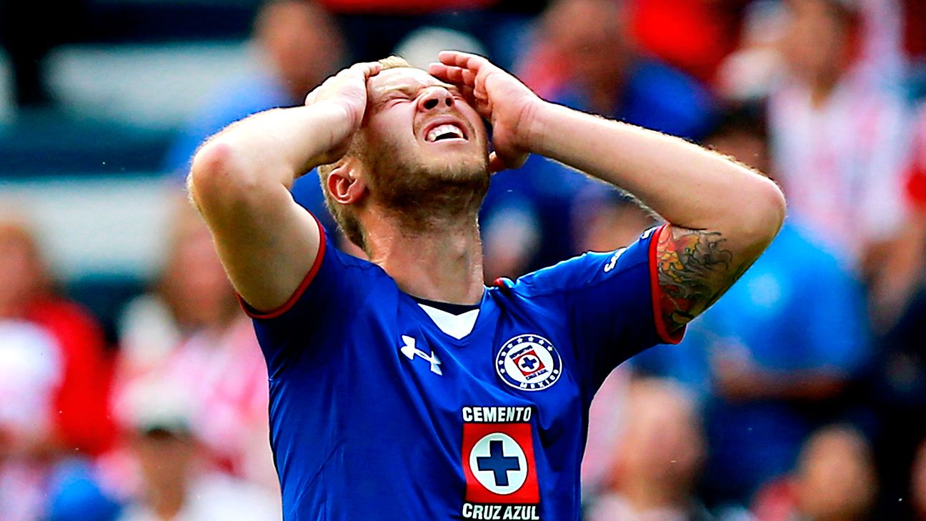 The missed chances from Alemao and Cruz Azul ended up haunting La Maquina, who fell victim to two late Chivas strikes on Saturday.