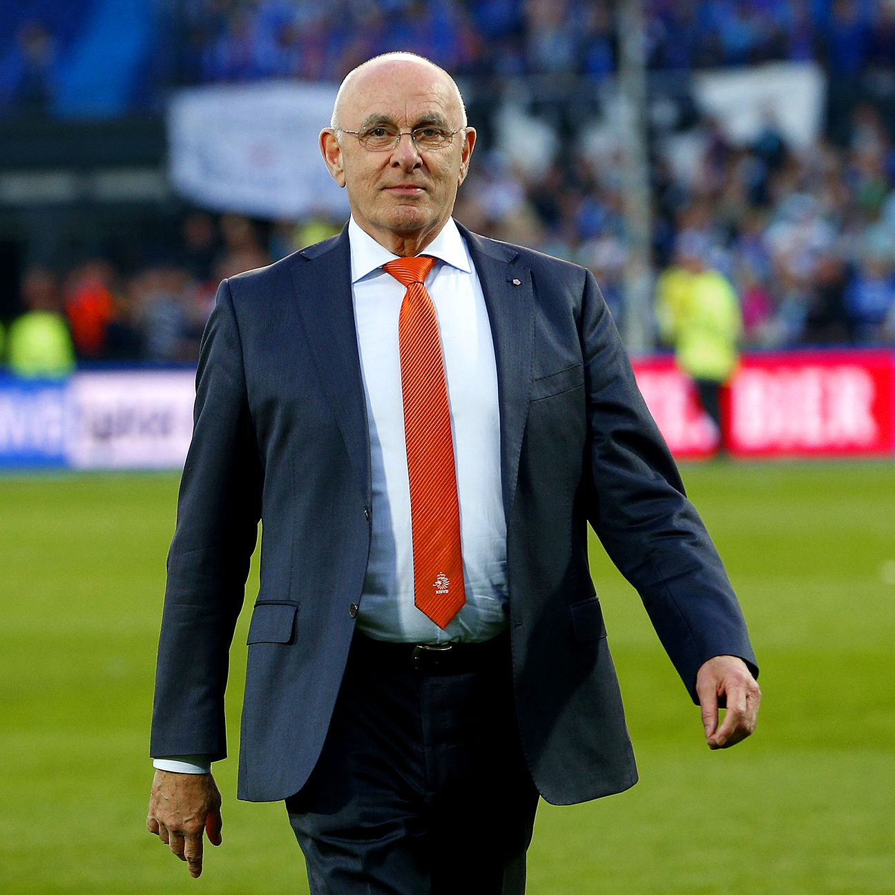 Dutch FA boss Michael van Praag has pledged that he will only sit for one term if elected.