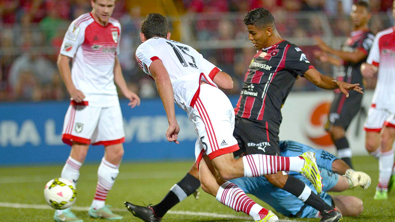 Alajuelense pounced on a number of errors from the DC United defense in the Costa Ricans' 5-2 home triumph on Thursday night.