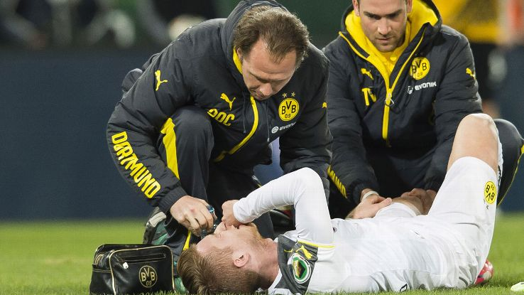 Awesome Marco Reus Injury For Borussia Dortmund Only A Bruised Knee Hairstyles For Women Draintrainus