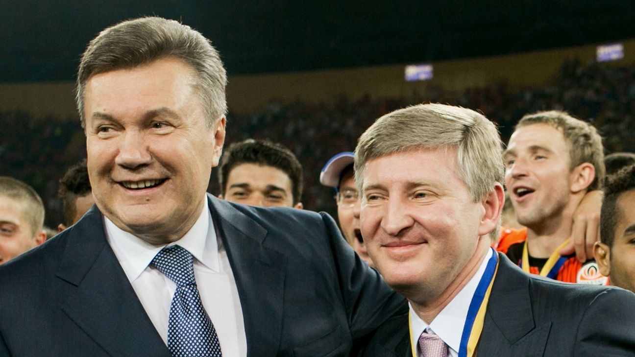 Akhmetov with his old friend and former Ukrainian president, Viktor Yanukovych.