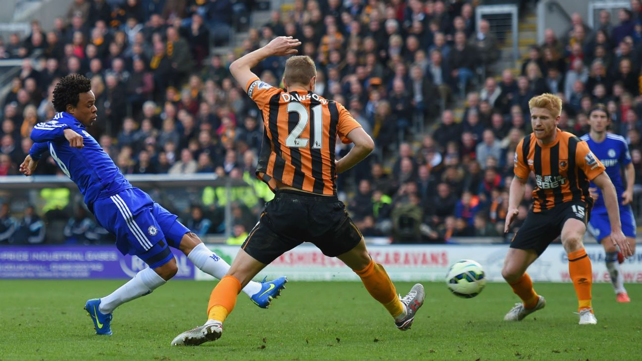 Loic Remy comes off the bench to give Chelsea a lucky late win at Hull City