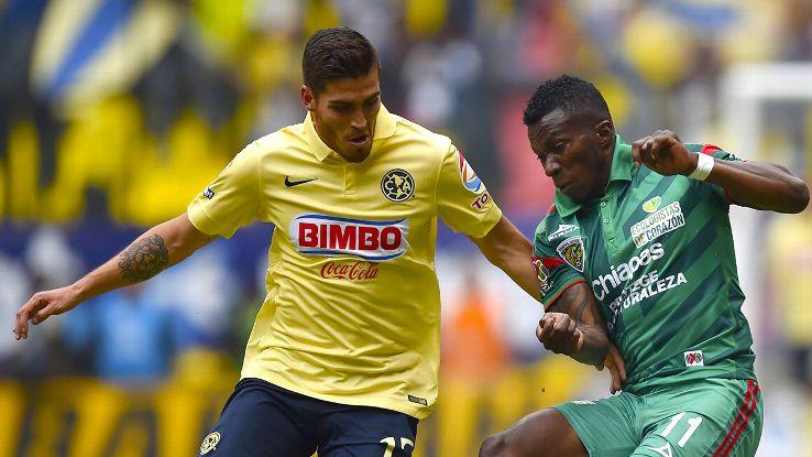 Defender Ventura Alvarado, left, had a standout 2015 Clausura season for Club America.