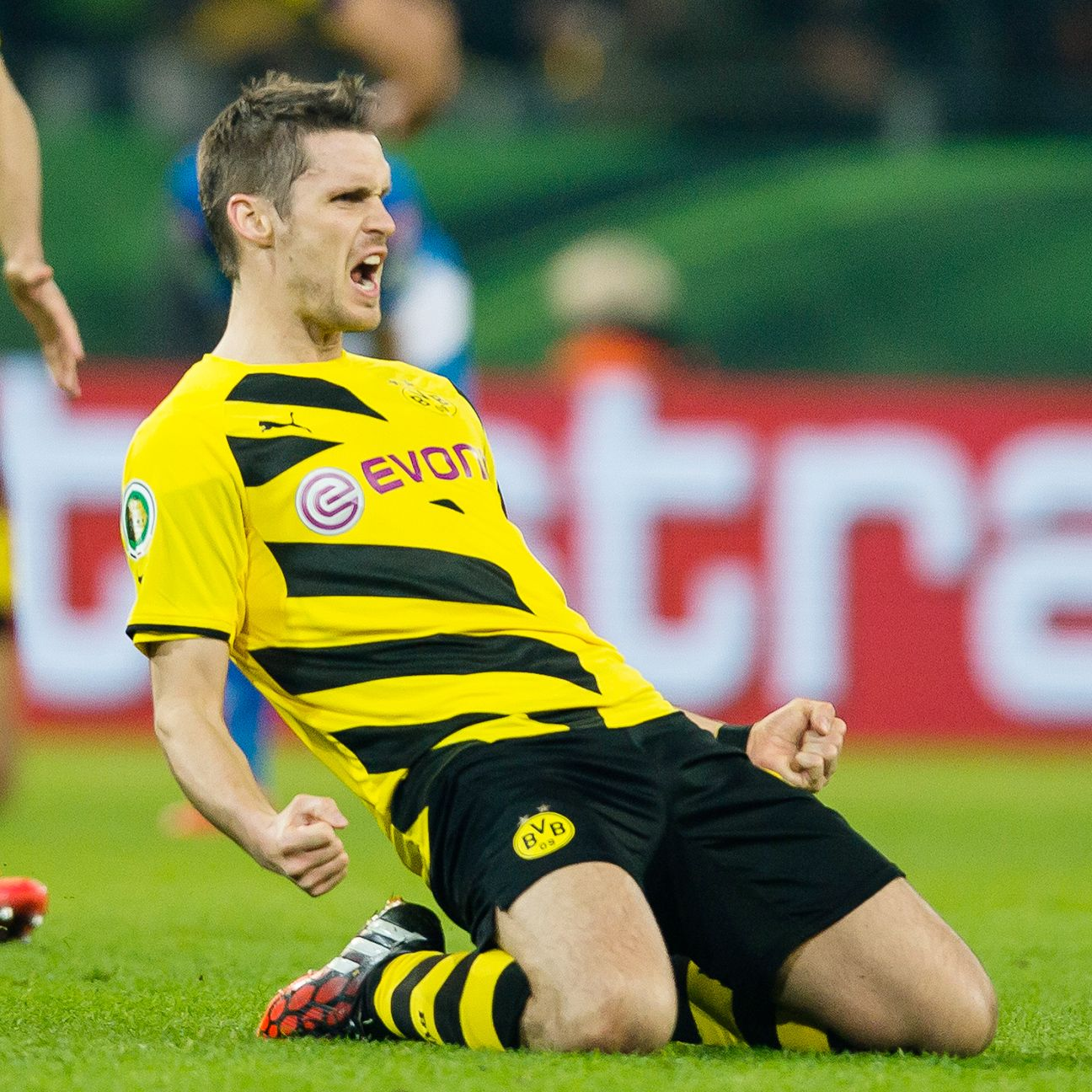 Sebastian Kehl's extra time goal helped Dortmund advance to a crucial DFB-Pokal semifinal.