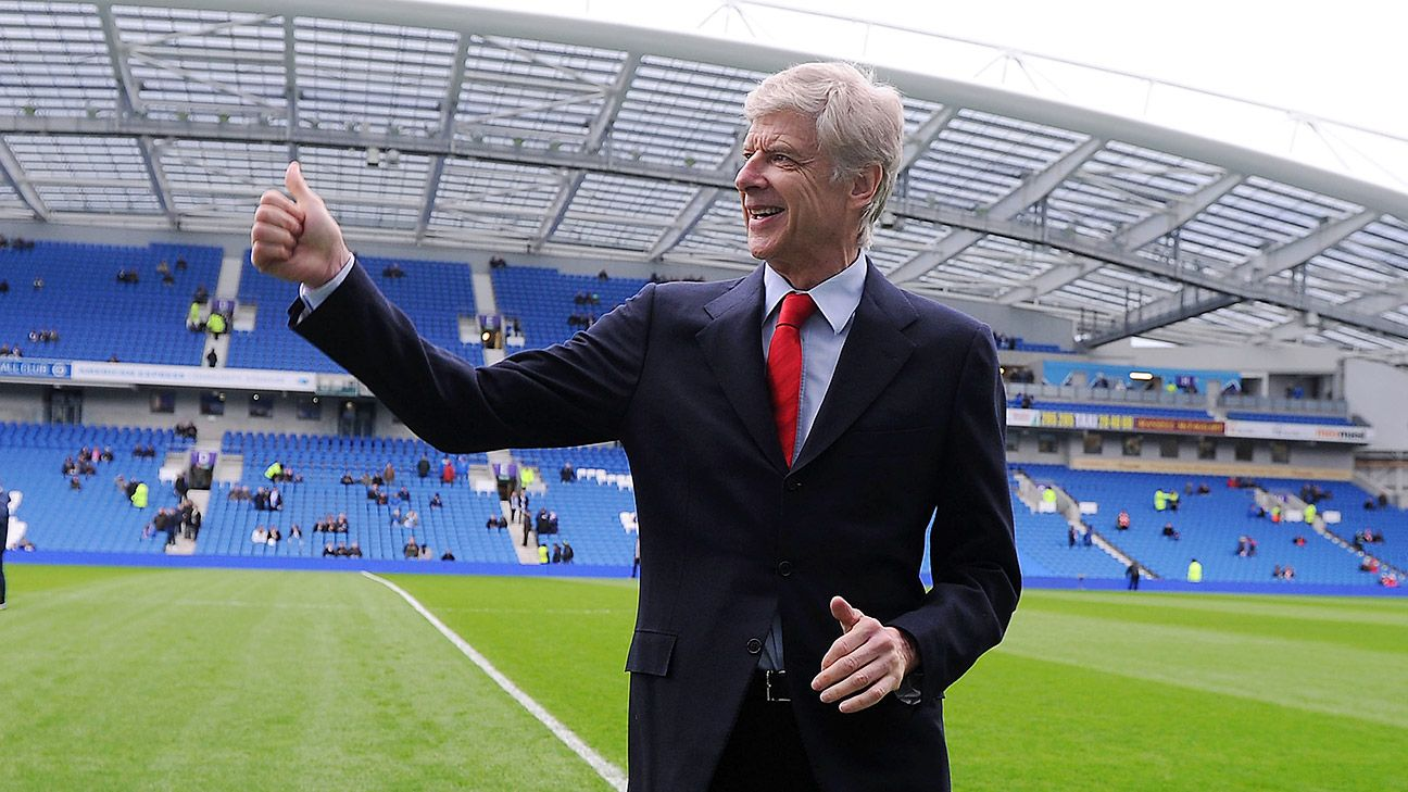Arsene Wenger would like nothing better than to collect his fourth Premier League title in 2015-16.