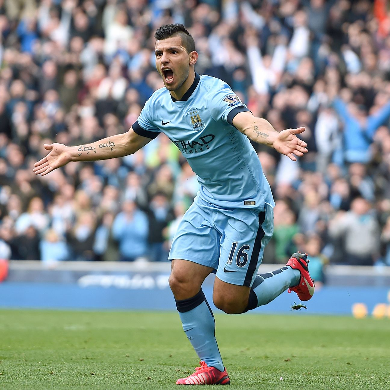 Red-hot Manchester City striker Sergio Aguero is a solid choice for fantasy captain.