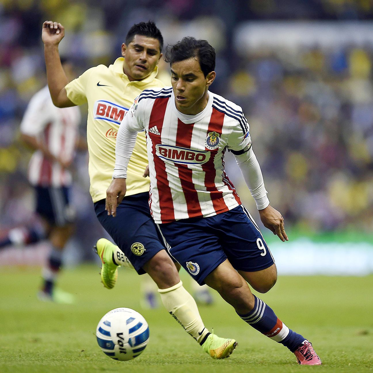Veteran Omar Bravo and Chivas will be hoping for a second straight victory against America.