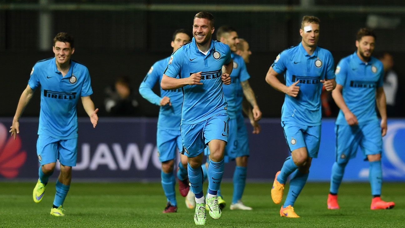 Lukas Podolski goal seals win against nine men, moves Inter to seventh