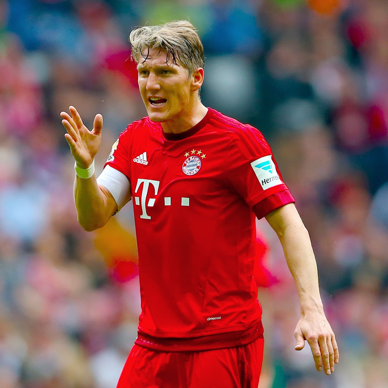 Bastian Schweinsteiger and the Bayern Munich midfield failed to make an impact against Augsburg.